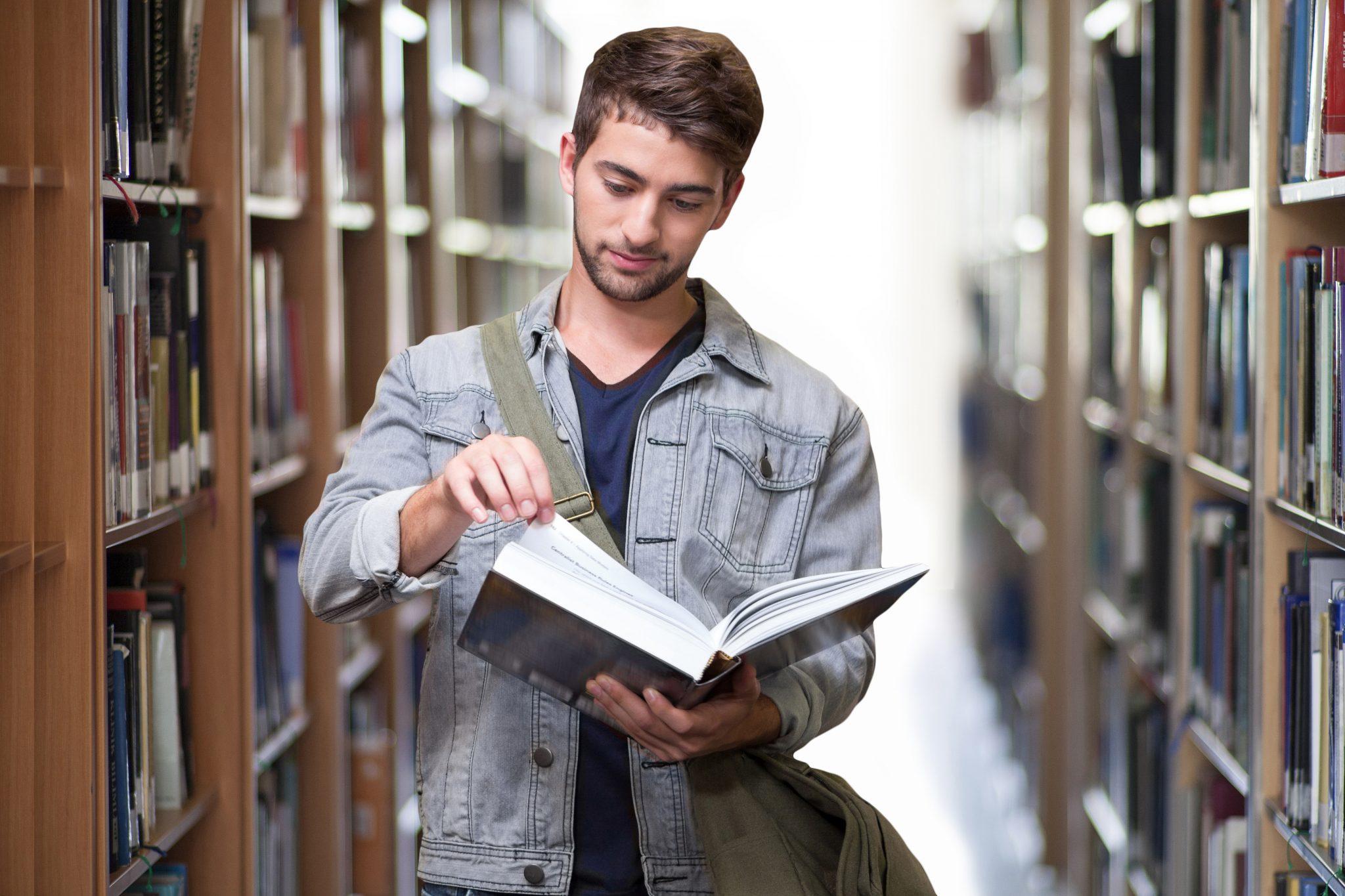 Estudiante-TrámitesparaInmigrantes